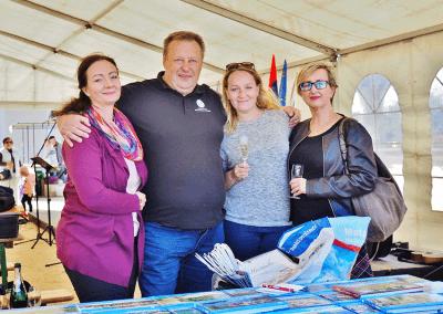 Zástupci CBS na Trhu místních produktů na zámku v Miloticích