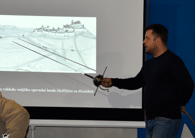 archeolog Mgr. Zdeněk Schenk, Ph.D představuje nové objevy na hradě Helfštýn