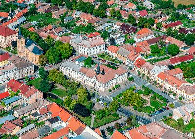 Městec Králové - ukázka z knihy Nymbursko z nebe