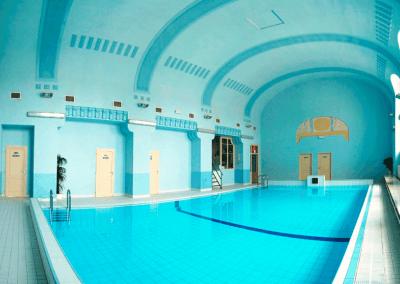 Bazén v Městských lázní v Novém Městě pod Smrkem