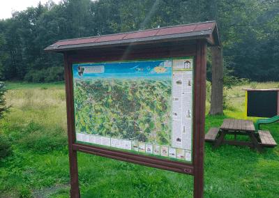 Malovaná mapa Děčínska v Huntířově od Viery Kovářové